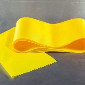 Žlutá taftová šerpa