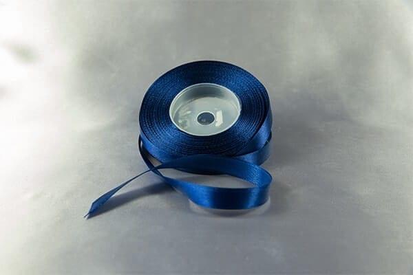 Tmavě modrá stužka