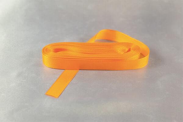Oranžovožlutá