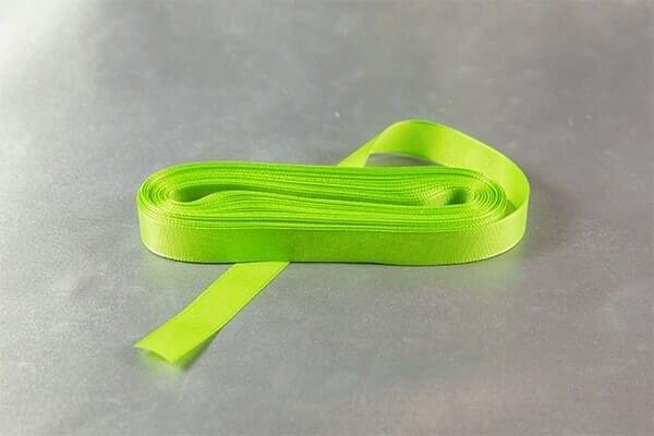 Jarní zelená taftová stužka