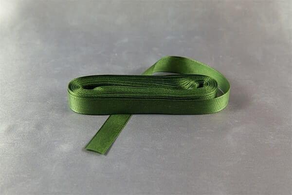 Tm.zelená taftová stužka